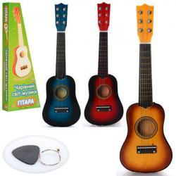 Гитара деревянная (струны, запасная струна, медиатор) M 1370