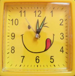 Настенный часы-будильник Смайл квадрат