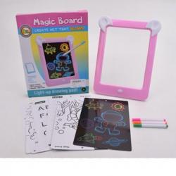 Дощечка для рисования (маркеры, картинки, светится в темноте, на батарейках), в коробке 21-26-3 см.