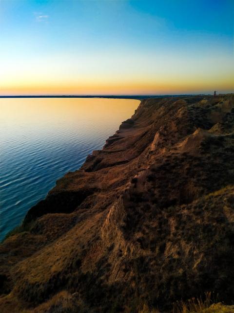 Фото Украинская пустыня и Херсонские горы {основной}