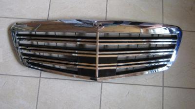 Фото Решетка радиатора  AMG  на Mercedes S 221 Хром 22188000839040