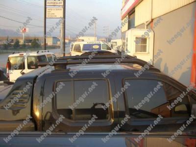 Фото Рейлинги на крышу (черные) Nissan Navara