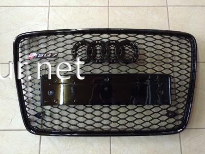 Фото Решетка радиатора Audi Q7 2008-2015, стиль RSQ7 (черная с черной окантовкой)
