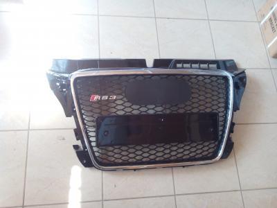 Фото Решетка радиатора Audi A3 в стиле RS3 8P4 853 651 A 1QP