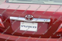 Хром планка на багажник Toyota Camry