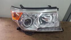 Передние фары Toyota Land Cruiser 200 (рестайлинг) 8113060C80 8117060C50