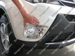 Хром накладки на передние противотуманки Toyota Rav-4 2013-...
