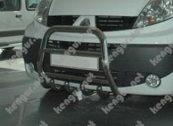 Защита передняя, кенгурятник Opel Vivaro с грилем высокая