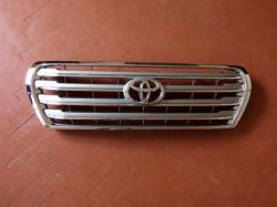 Toyota LC 200 Решетка серая 5310160480/5310160481
