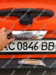 Хром накладка над номером на крышку багажника Renault Trafic 1шт.