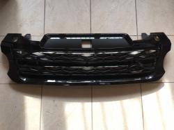Решетка радиатора Range Rover Sport (2013-...) чёрная с чёрной сеткой LR054767