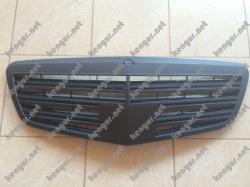 Акция! Решетка радиатора (черная матовая) Mercedes W221