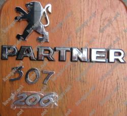 Значки эмблемы на Peugeot