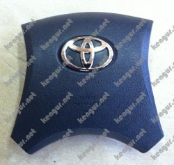 Заглушка в руль Toyota Corolla (2008 г.в.) 4513012B50B0