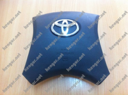 Заглушка в руль Toyota Camry 40. 4513012B50B0