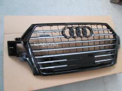 Решетка радиатора Audi Q7 стиль SQ7 Black 2016+