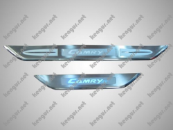 Накладки на пороги Toyota Camry (с подсветкой) 161491