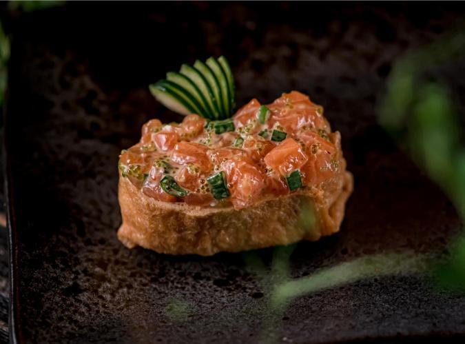 Инари с лососем